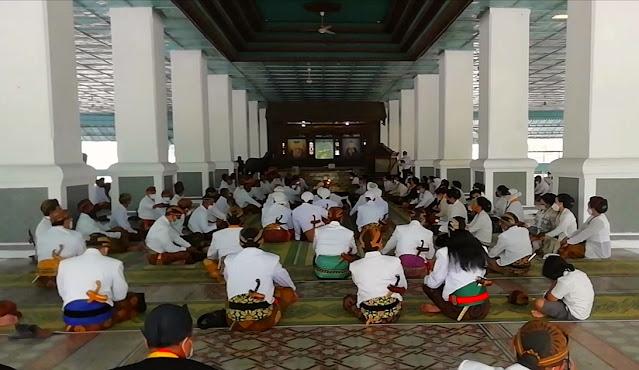 Pertahankan Tradisi, LDA Keraton Surakarta Gelar <i>Wilujengan Adeging Nagari</i>