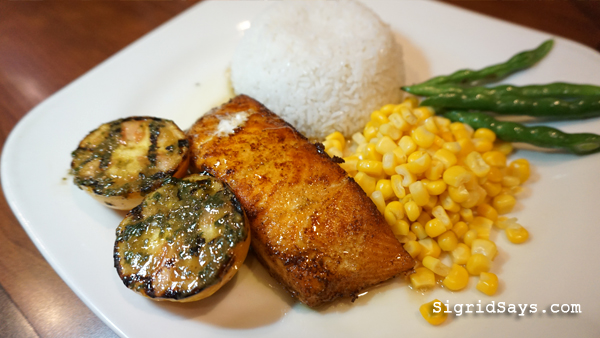 Bacolod restaurants - Cookies 'N Crumbs Cafe and Restaurant - full course dinner - entree