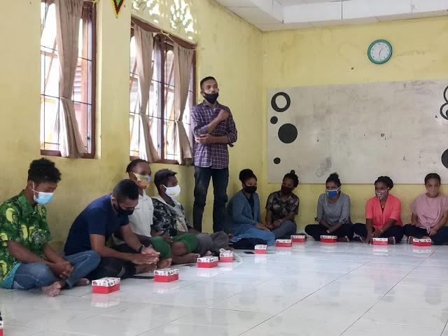 Staf Khusus  Presiden Dan Dirjen Otda Kemendagri Silahturahmi Dengan Mahasiswa Asal Papua di Sumbar