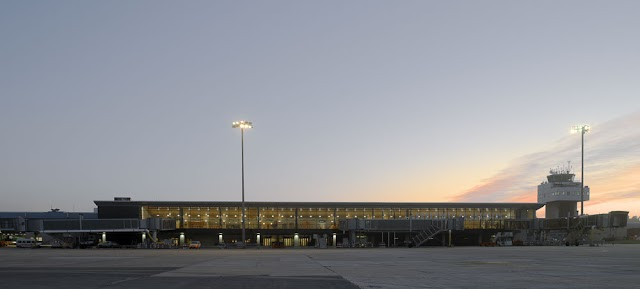 #Video: Una carrera por los 50 años del Aeropuerto de Asturias