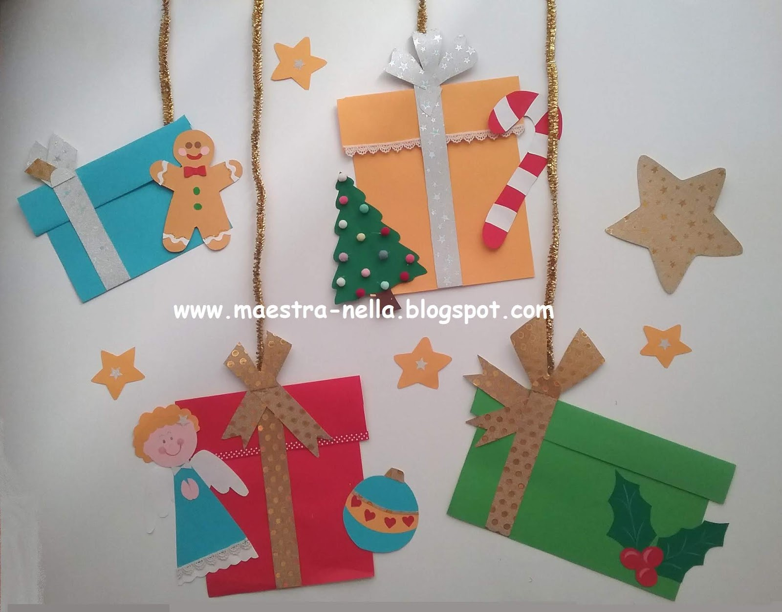 Maestra nella for Addobbi natalizi scuola primaria