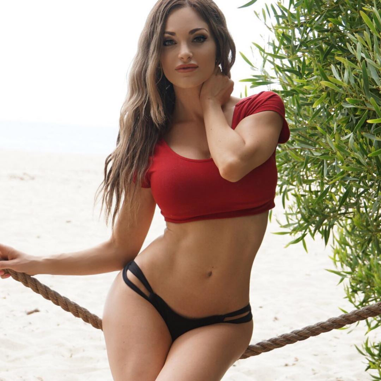 Hot fitness girl Nienna Jade