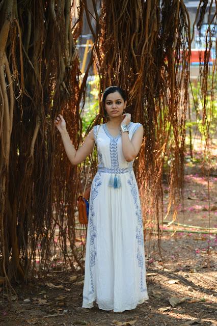 chiconomical, bohemian dressing, mumbai fashion blogger, how to wear a maxi dress, mumbai streetstyle, street shopping bandra, street shopping colaba, what to wear in summer in mumbai