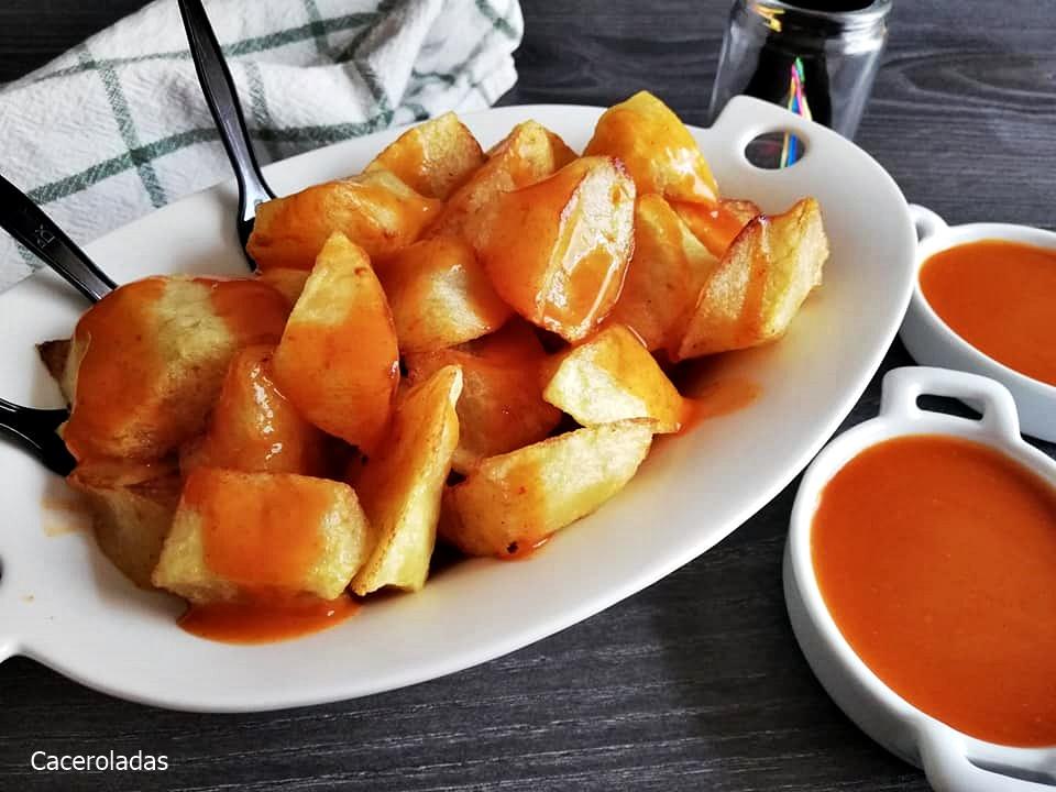 Patatas bravas con la salsa auténtica paso a paso
