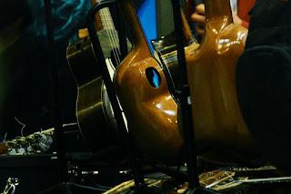 exposición de charangos  ANTILKO - instrumentos musicales de luthier Claudio Rojas