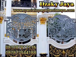 Pemasangan pagar besi tempa mewah di Jakarta Utara.