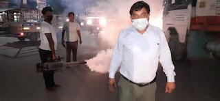 नगर पंचायत ने नगर क्षेत्र में फागिंग और कीटनाशक दवाओं का किया छिड़काव | #NayaSaberaNetwork