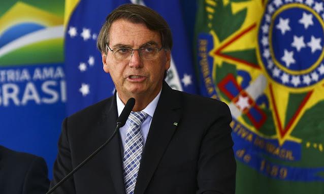 MP que facilita compra de vacinas é sancionada por Bolsonaro