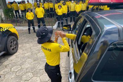 Agentes do Detran são treinados sobre uso de armas de menor potencial ofensivo  https://www.portalpebao.com.br/2021/09/agentes-do-detran-sao-treinados-sobre.html?m=1