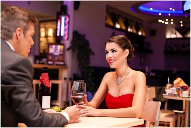 Dışarıda Romantik bir Akşam Yemeği için Öneriler