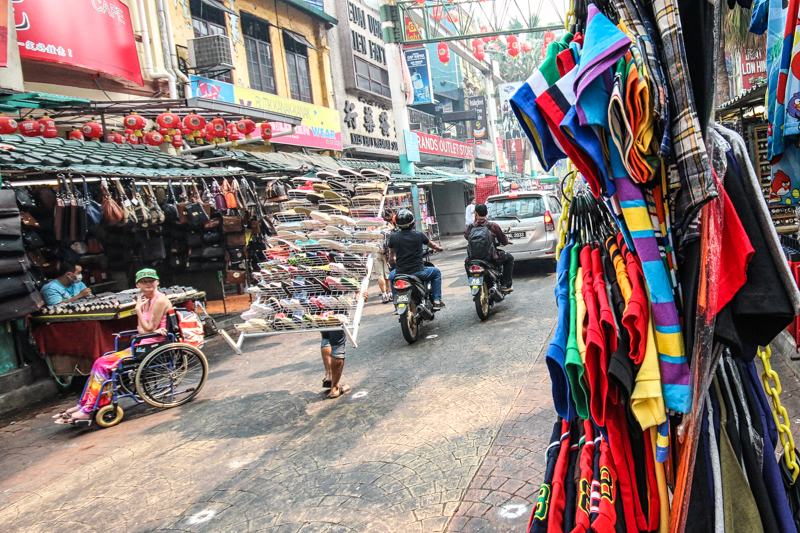إيهاب عثمان ، سفر ، السوق الصيني في كوالالمبور