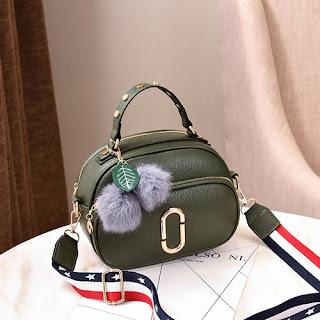 di kalangan para dewasa dikala ini sangat di minati apalagi untuk style korea desain elegan  Tas Wanita Import Murah Batam Lazada Terbaru