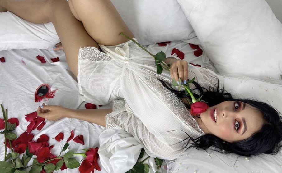 ArenaLopez Model GlamourCams