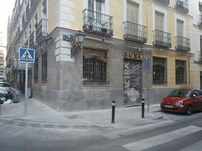 Fachada de restaurante Bacira_Tusolovive Madrid