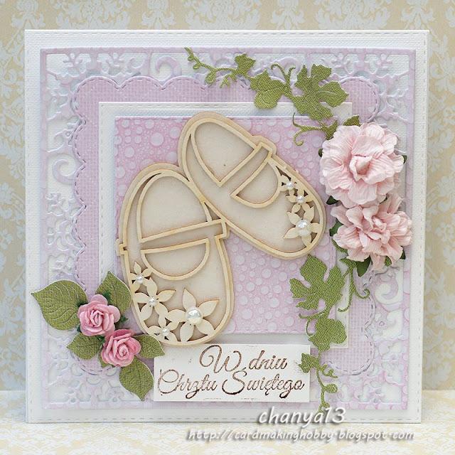 pastelowa kartka dla dziewczynki ozdobiona bucikami z tekturki