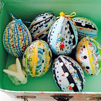 http://www.pillarboxblue.com/no-sew-patchwork-fabric-easter-eggs/