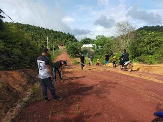Karang Taruna Tuah Bakti bekerjasama dengan Pemerintah Desa Linau ajak Warga Bergotong royong