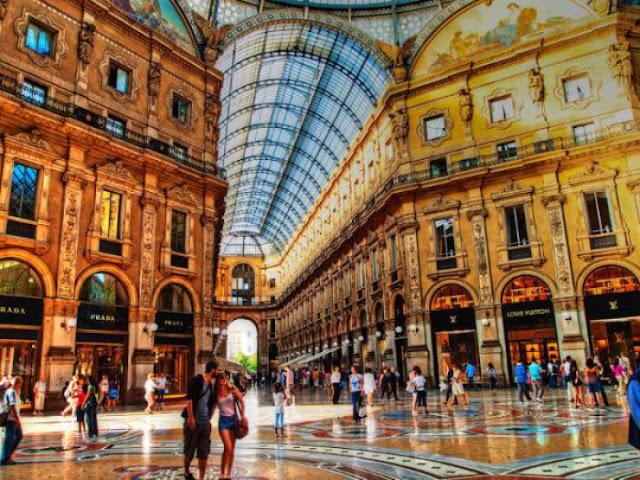 via - Jalanan Di Dunia Yang Paling Oke Buat Kamu Yang Hobi Shopping