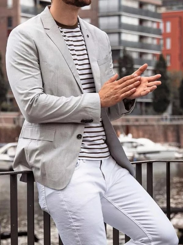 T-shirts and blazer outfit