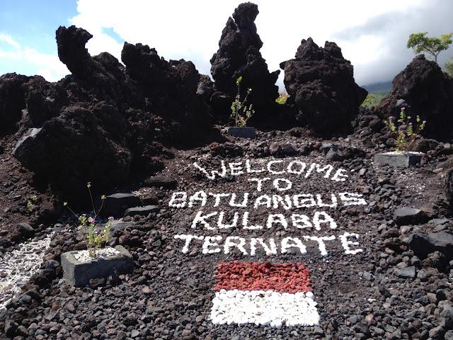 15 Tempat Wisata Terkenal yang ada di Maluku Utara - Batu Angus