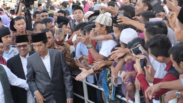 Survei LSI: 76,3 Persen Pemilih Jokowi Menyatakan Ekonominya Memburuk
