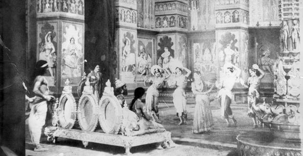 हिंदी सिने जगत में रंगीन फिल्मों का वह दौर, जब रंगीन फिल्म देखने की चाह में थियेटर खचाखच भर जाया करते थे