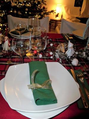 photos decoration table de noel pas chere rouge et vert