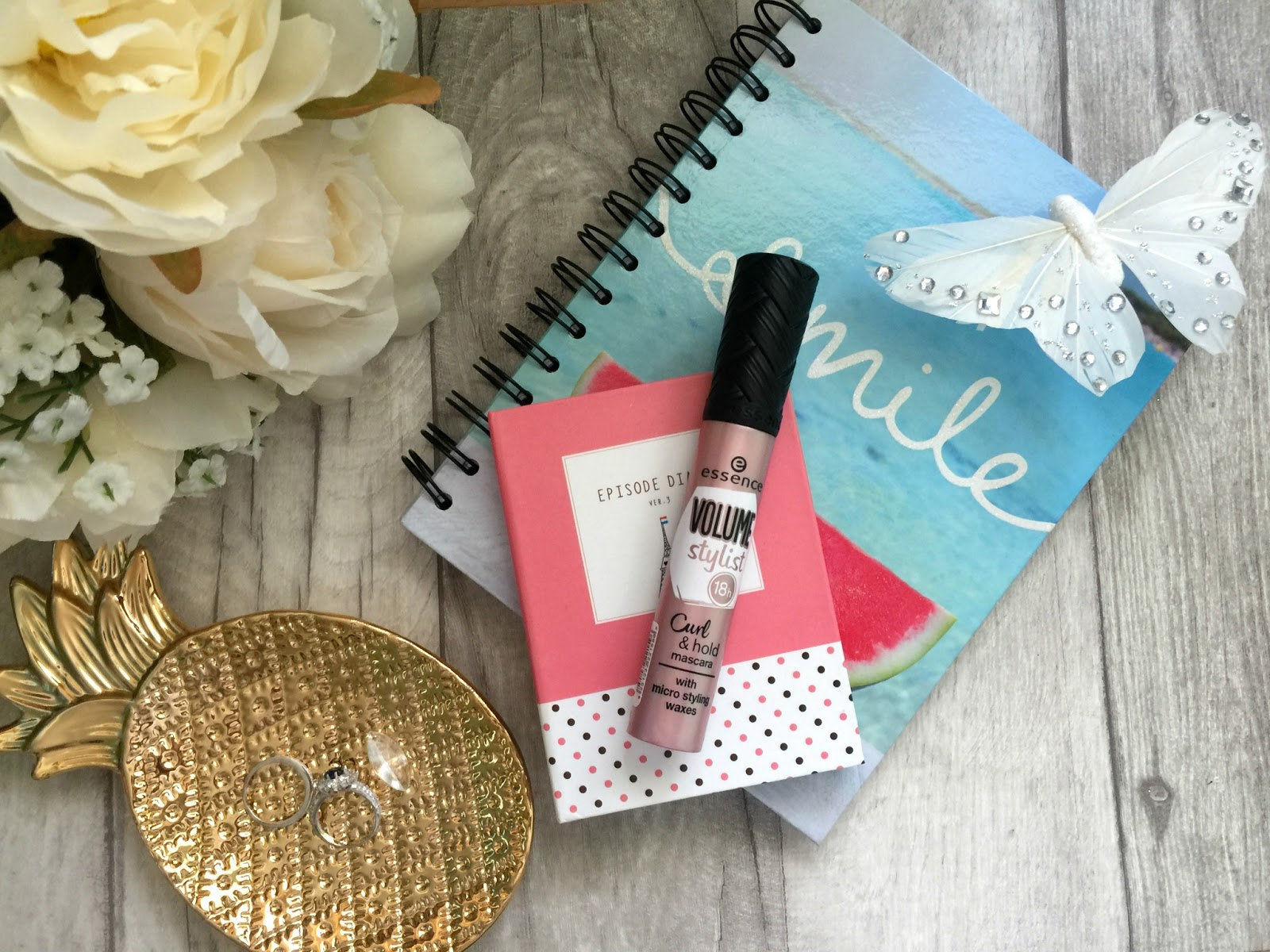 essence volume stylist curl and hold mascara review