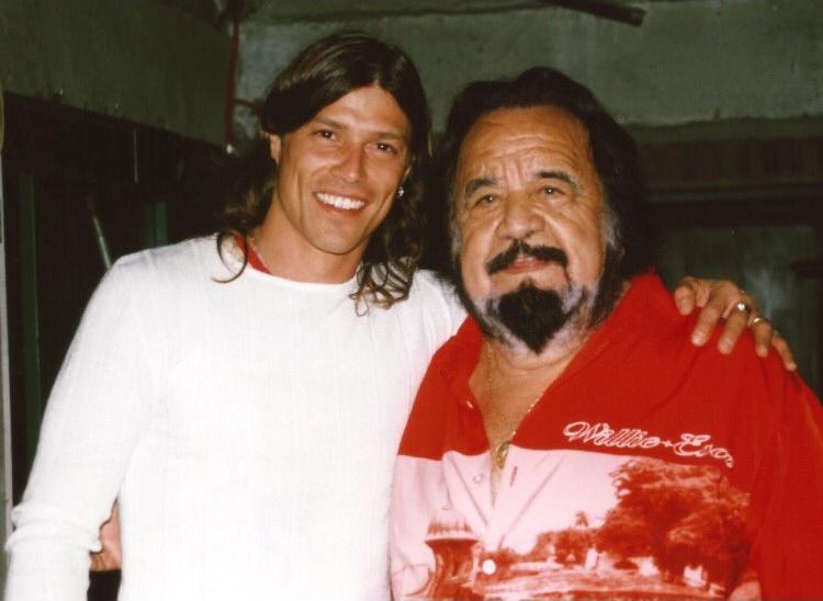 Matías Almeyda con Horacio Guarany.