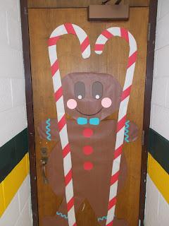 jackson heights elementary pe gym door christmas