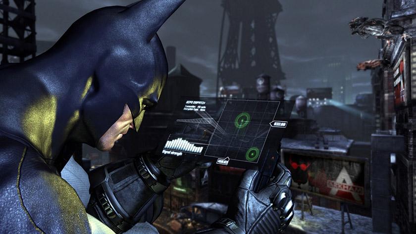 Бетмен шукає радіосигнали за допомогою спеціального пристрою