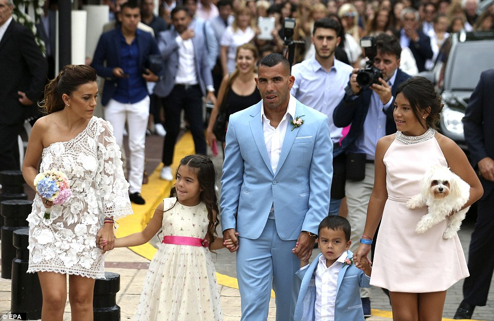 Former Man City Striker Carlos Tevez Marries Her Childhood Heartrub Venesa - Photos 3B94463C00000578-4059244-Party_time_Tevez_and_Vanesa_are_thought_to_be_celebrating_their_-a-7_1482427458719