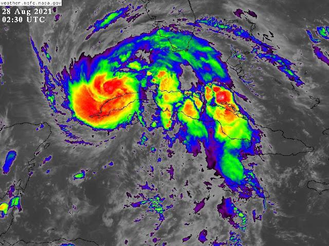 El huracán #Ida entra al Golfo de México con vientos de 130km/h prácticamente la fricción con la isla de Cuba no le represento disminución de la intensidad enfila a #NewOrleans con vientos pronosticados de 222km/h rachas de 268km/h en categoría 4