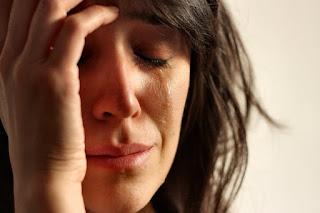 تفسير مشاهدة البكاء في منام المتزوجة