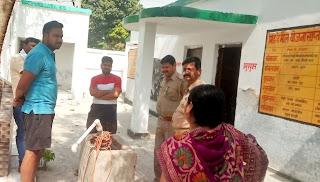 शिक्षा के मंदिर को चोरों ने बनाया निशाना | #NayaSaberaNetwork