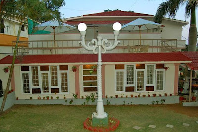 Clifton Inn Resorts Yercaud locates an ideal staying environment for the travel vacationers at its sprawling premises.