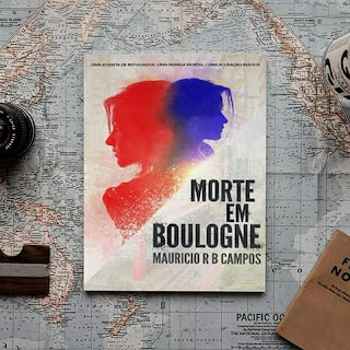 O livro Morte em Boulogne sobre um mapa mundi