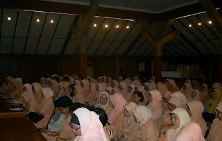 Dharma Wanita Belajar Hipnotis
