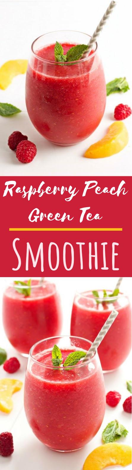 Raspberry Peach Green Tea Smoothie #healthy #drinks
