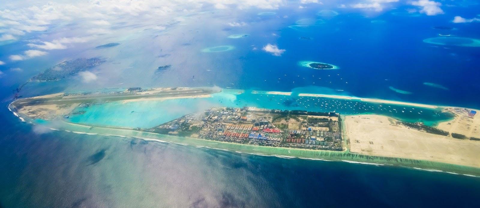 каждом дворе фото острова хулхумале сверху цветовая гамма сочетает
