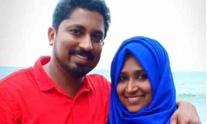 News, Kerala, State, Death, Accident, Couples, Bike,
