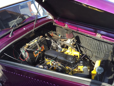 A soma de duas raridades: a carroceria do MP Lafer e a mecânica do Dodge Polara.