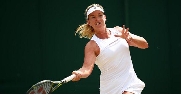 Coco Vandeweghe Ousts  Caroline Wozniacki,7-6(4), 6-4 to reach 3rd Wimbledon Quarter Final