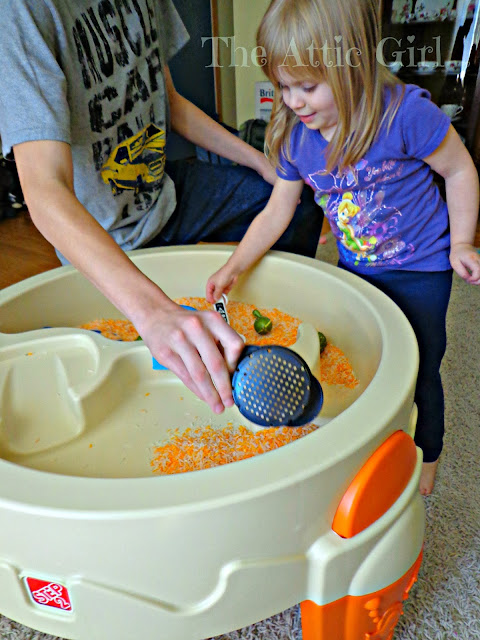 Sensory play, sensory bin, preschool activities