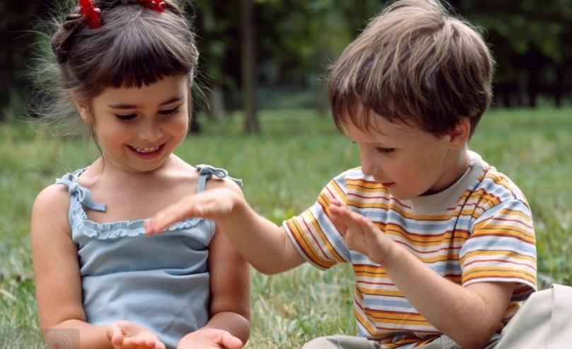 adb3788d453 Ειδική Αγωγή - ΑΥΤΙΣΜΟΣ: Ο αυτισμός εκδηλώνεται διαφορετικά σε αγόρια και  κορίτσια