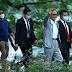 Thủ tướng Nhật Bản thích thú khi đi dạo Hồ Gươm