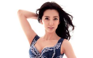 Stunning Hot Li Bingbing