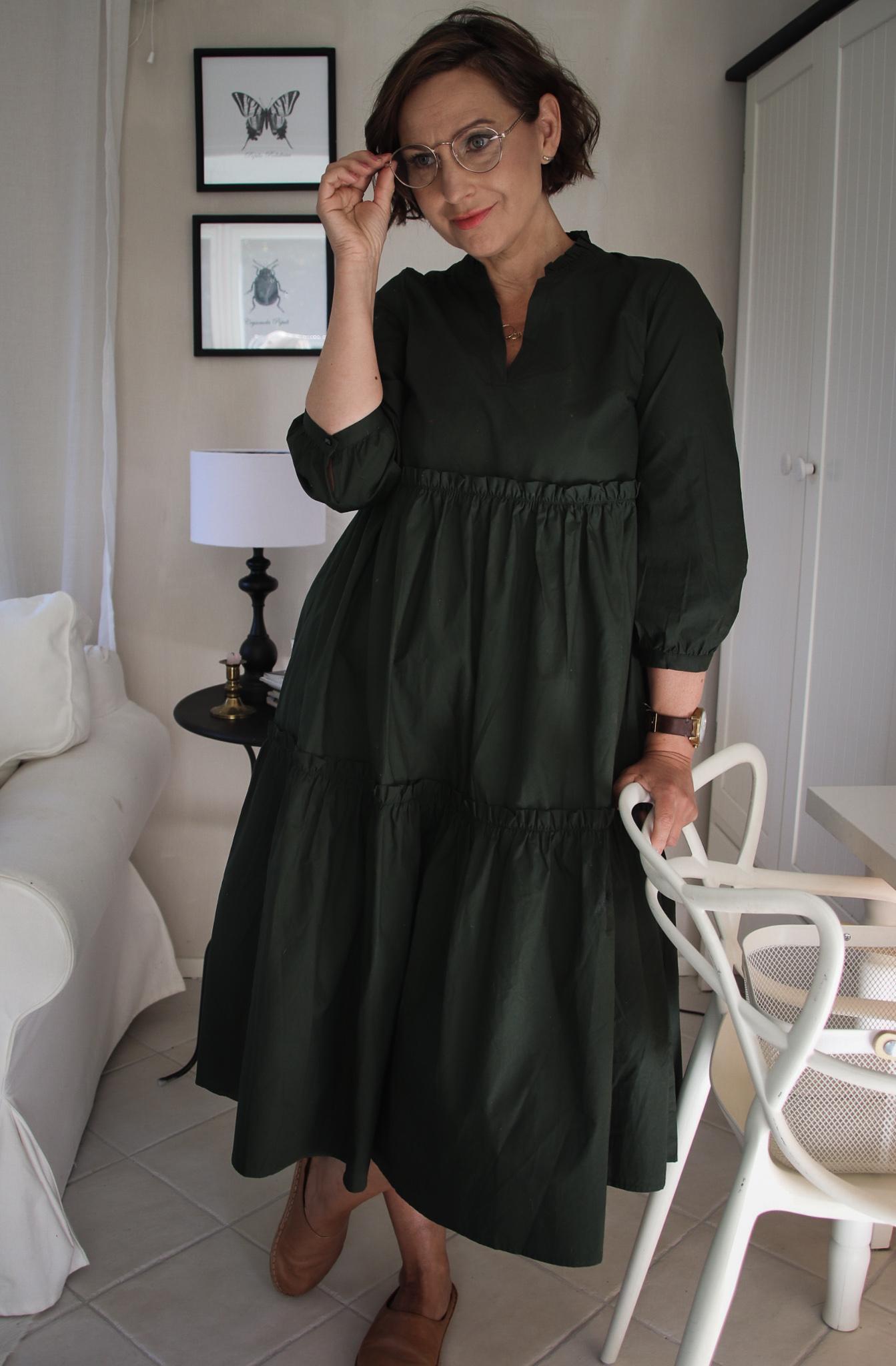 vihreä mekko