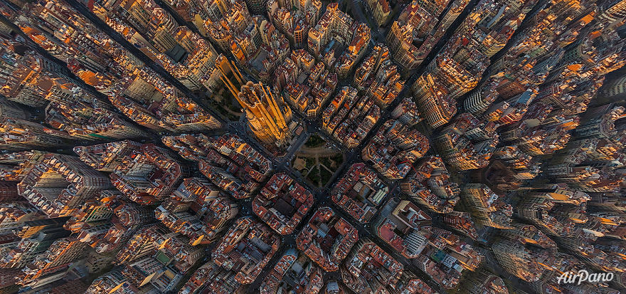 Beautiful Panoramic Pictures Of 20 Famous Cities - Sagrada Familia, Barcelona, Spain