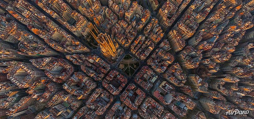 Beautiful Panoramic Pictures Of 20 Famous Cities - Sagrada Familia, Barcelona, Spain